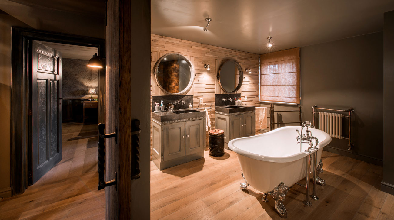 http://loftinterieur.com/wp-content/uploads/2016/07/1-houten-vloer-badkamer-Di-Legno-Concepthouse-1.jpg