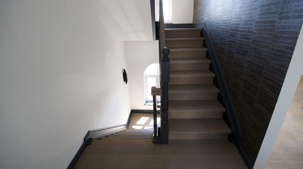 Houten trappen loft interieur - Interieur houten trap ...